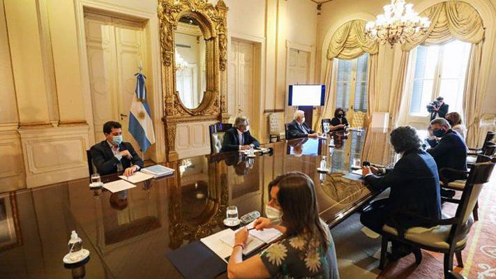 Nación definió el plan para la vacunación masiva del 100% de los argentinos