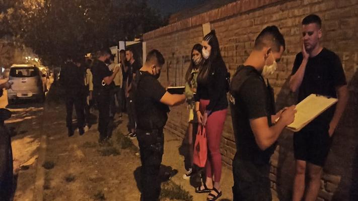 Persisten las fiestas clandestinas en Chubut