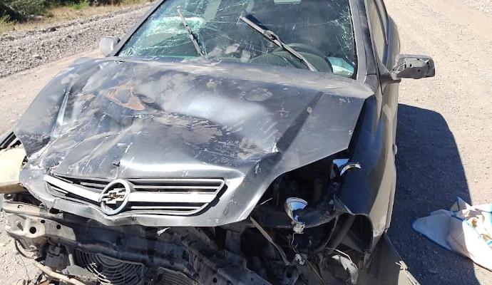 Trevelin: Una mujer resultó herida en un choque frontal