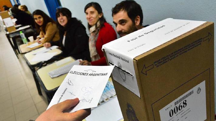 Los chubutenses eligen candidatos antes que partidos políticos