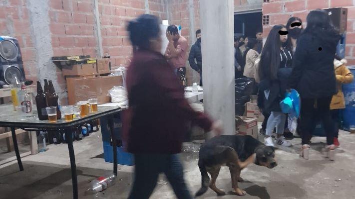 Desarticularon una fiesta clandestina en el barrio Nueva Chubut