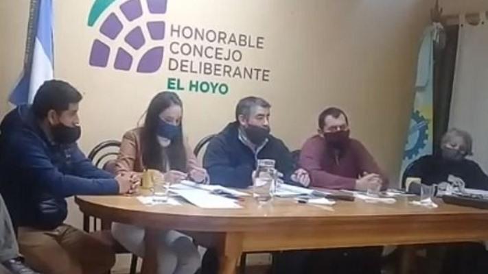 Conflicto de Poderes en El Hoyo