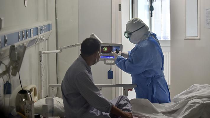 Reportaron 448 muertes y 8.606 nuevos casos de coronavirus en el país