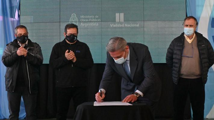 Firmaron la pavimentación de la Ruta 260 que forma parte del Corredor Bioceánico