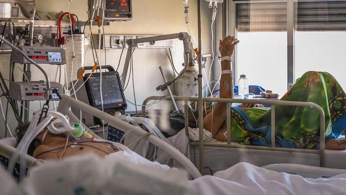 Murieron 300 personas y hubo 13.736 nuevos contagios en Argentina