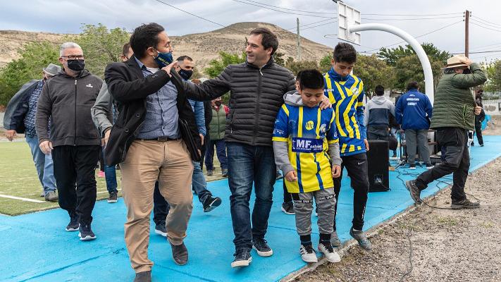 Comodoro: Luque inauguró el SUM del Club Oeste Juniors y el playón de Valle C
