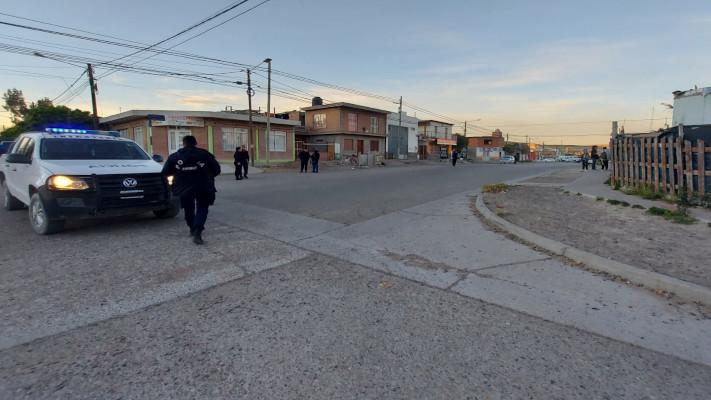 Madryn: Policías heridos en un enfrentamiento entre dos grupos en plena calle